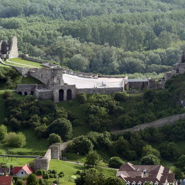Devín, Devín Castle