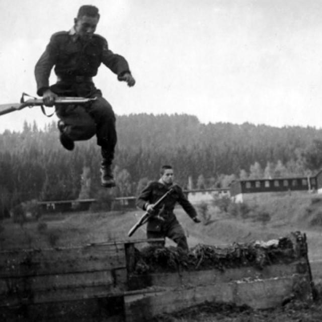 Nýrsko, Československých legií 432