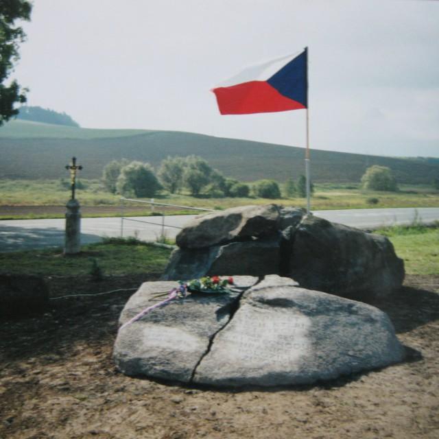 Všeruby, památník