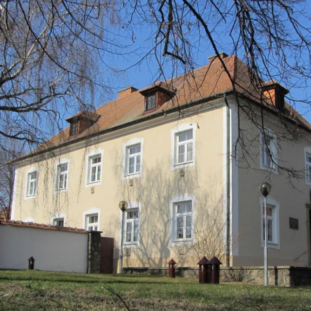 Dolní Bojanovice, fara